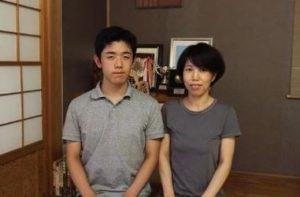 藤井聡太と母